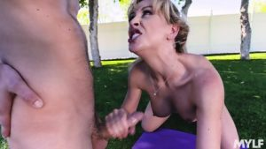 Curvy MILF gets pussy licked and sucks dick outdoors